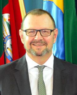 Ver. Thomas Schiemann (PDT)